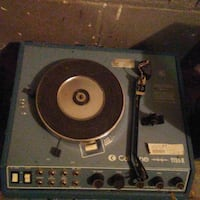 Califone portable turntable with speakers Omaha, 68108