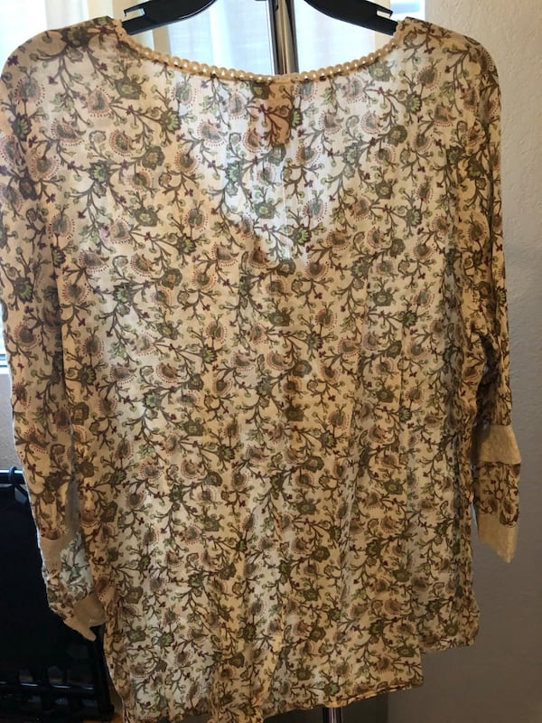 Women's flowy blouse 4