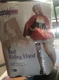 Red Riding Hood Costume Size M New Port Richey, 34653