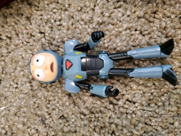 Purge suit Morty action figure  2028241b-bd87-4fd4-b0c1-f25d6b3b2615
