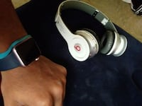 Apple watch & beats by dre bluetooth  Baltimore, 21215