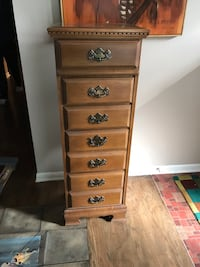 Maple Jewelry Chest  Strongsville, 44136