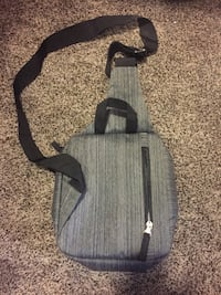 Swiss gear shoulder bag/sling Calgary, T3G 4W3