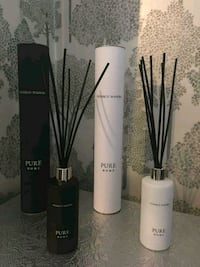 two black and white makeup brushes Bolton upon Dearne, S63 8JZ
