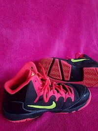 Nike basketball shoes Brooklyn, 49230