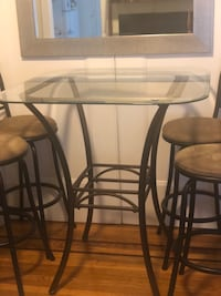 Bistro High-Table with (4) Chairs San Francisco, 94108