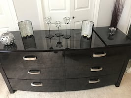 6 draws table you can  use as a tv stand