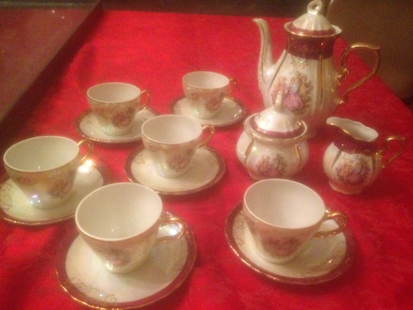 Japanese white ceramic teacups and pitcher set gold accent