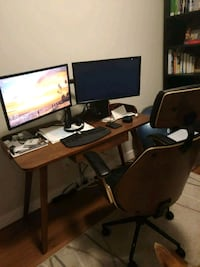 Desk and chair Calgary, T3R 1J1