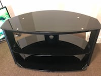 Black glass top tv stand Hamilton, L9A 3V5
