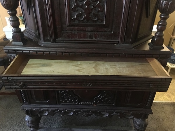 Detailed Antique Cabinet c3d78c71-bca2-49b7-b285-011ae3c285d6