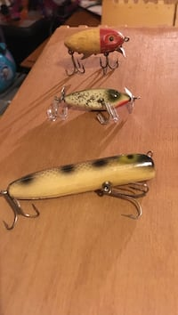 three assorted fishing lures Rogers, 72756