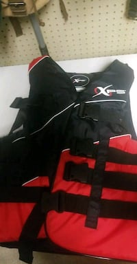 XL - XPS Adjustable Life Jacket  Surrey, V3R 1C3