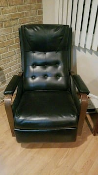 black leather padded rolling armchair Edgewater, 21037