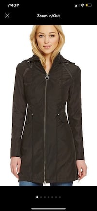 black zip-up jacket Upper Marlboro, 20772