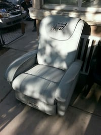 white leather padded car seat