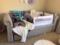 Twin trundle day bed  Irvine, 92620