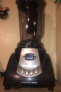 Mixer/ blender . Never used this model retails like a 110$ . Winchester, 22602
