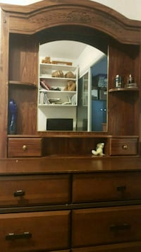 Traditional mirror and drawer  Toronto, M5M 4N6