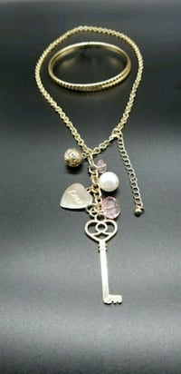 Gold chain necklace with heart pendant Upper Marlboro, 20772