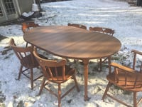 Dinette set.  Older set but very sturdy. Comes with leaf. North Dartmouth, 02747