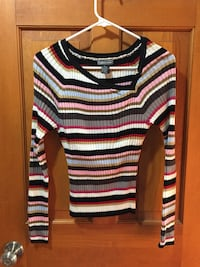 Sweater - Size Large Chichester, 03258