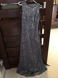 Silver Prom dress size 6 only worn once, like new  Vancouver, V6L 1G9