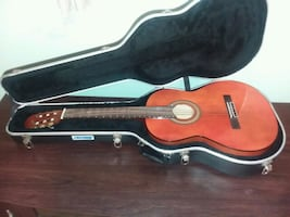 Woods Classical Acoustic Guitar WC-39, & Hard Case, Wall Mount stand