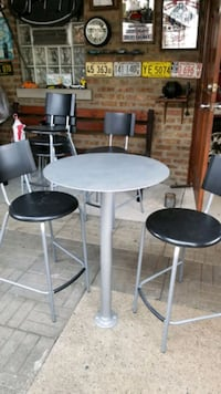 2 metal bar tables with 6 high chairs from IKEA