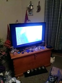 32 inch tv new  North Saanich, V8L 5S6