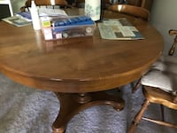 Round table 4 chairs  Germantown, 20874