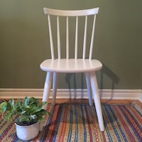 White wooden chair Hamilton, L8P 3B5