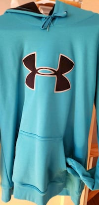 WOMAN'S UNDER ARMOUR HOODED SWEATSHIRT  Staten Island, 10314