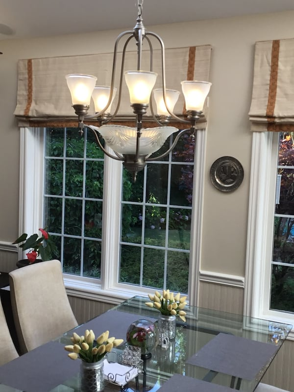 Impressive multi light chandelier in brushed nickel finish 9cfe039a-3cea-4dee-bc62-2ce59abe5440