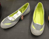 BRAND NEW SHOES, GREEN AND GREY SIZE 8 FLATS ALL LEATHER $25 (FINAL PRICE) Montreal, QC, Canada