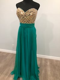 Beaded bodies green/ gold gown  Keswick, L4P 3P2