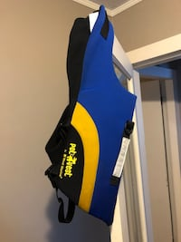 Pet Vest dog life jacket Nanaimo, V9S 4B5