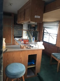 Layton RV Motorhome  Los Angeles, 90047