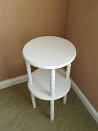 White small accent table Langhorne, 19047