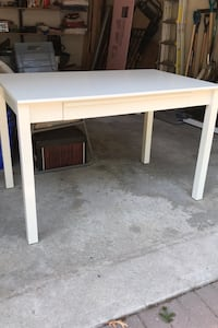 Desk with drawers/keyboard tray Mississauga, L5C 1J5