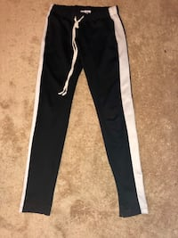 Fashion nova track pants 42 km
