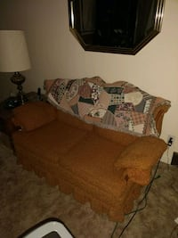 Loveseat Youngstown, 44514