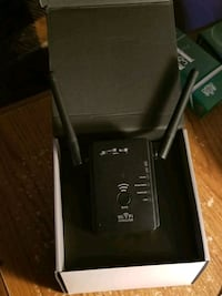 Brand New 300Mbps Dual Band WiFi Range Extender Queen Creek, 85140