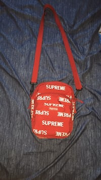 Supreme 3m bag red Brampton, L6S 3X6