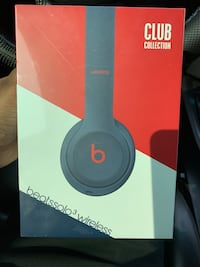 BNIB w receipt - Beats Solo 3 wireless Oakville, L6H 0G7