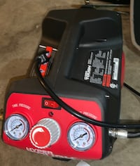 Red and black air pump Radcliff, 40160