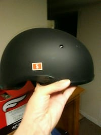 black and red full-face helmet Clinton, 20735