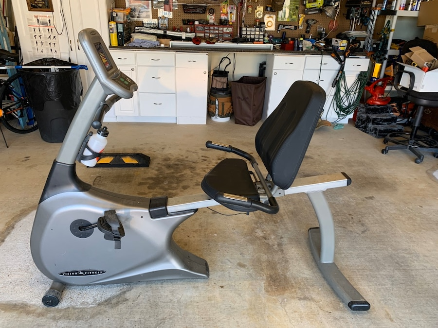 Photo Vision Fitness R2100 Recumbent stationary bike. New are $800 and up