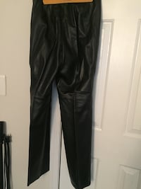 Black soft leather pants size 8, like new barely worn. Great for the Spring. District Heights, 20747