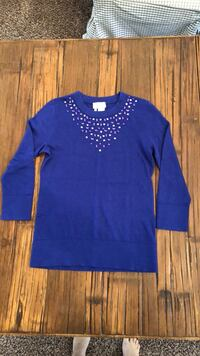 Blue scoop-neck long-sleeved shirt Roseville, 95661